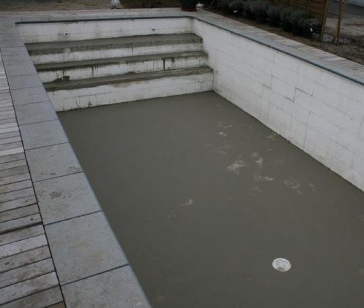 Bodem uitlaat ideaal om zelf een zwembad te bouwen for Constructie piscine
