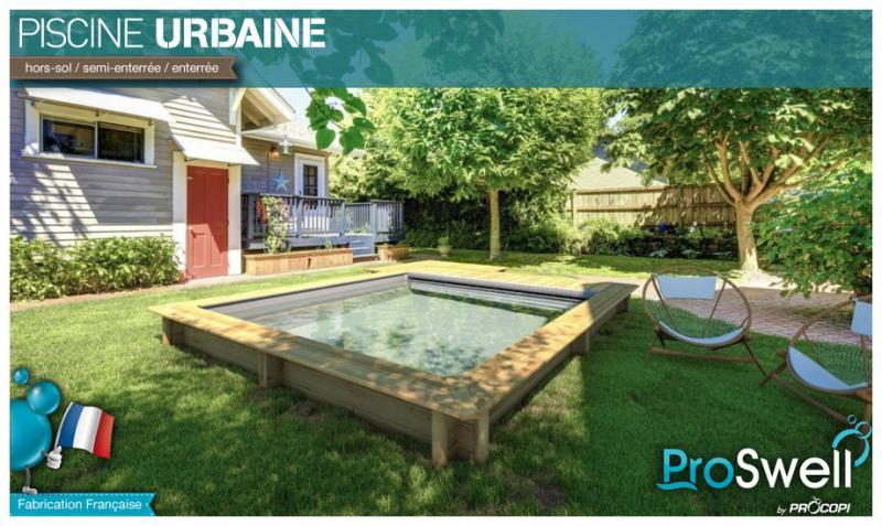 Houten zwembad met afdekking rolluik with zwembad in houten for Houten zwembad bouwen