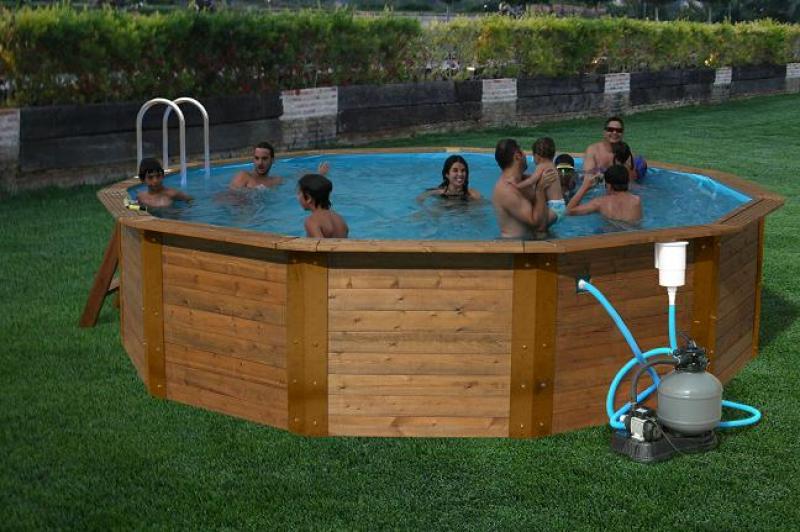 Rond houten zwembad madera nativa toi - Rond het zwembad ...