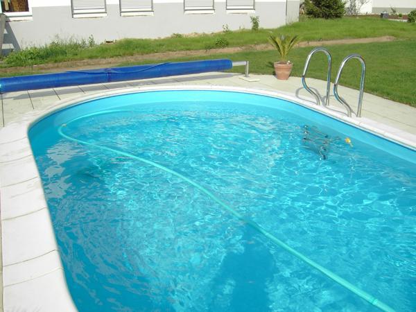 Zwembad gedeelde ladder astral pool for Inbouw zwembad compleet
